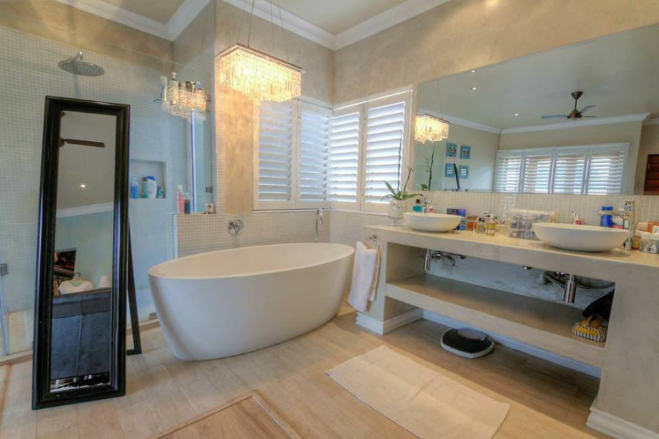 Stucco | Bathroom