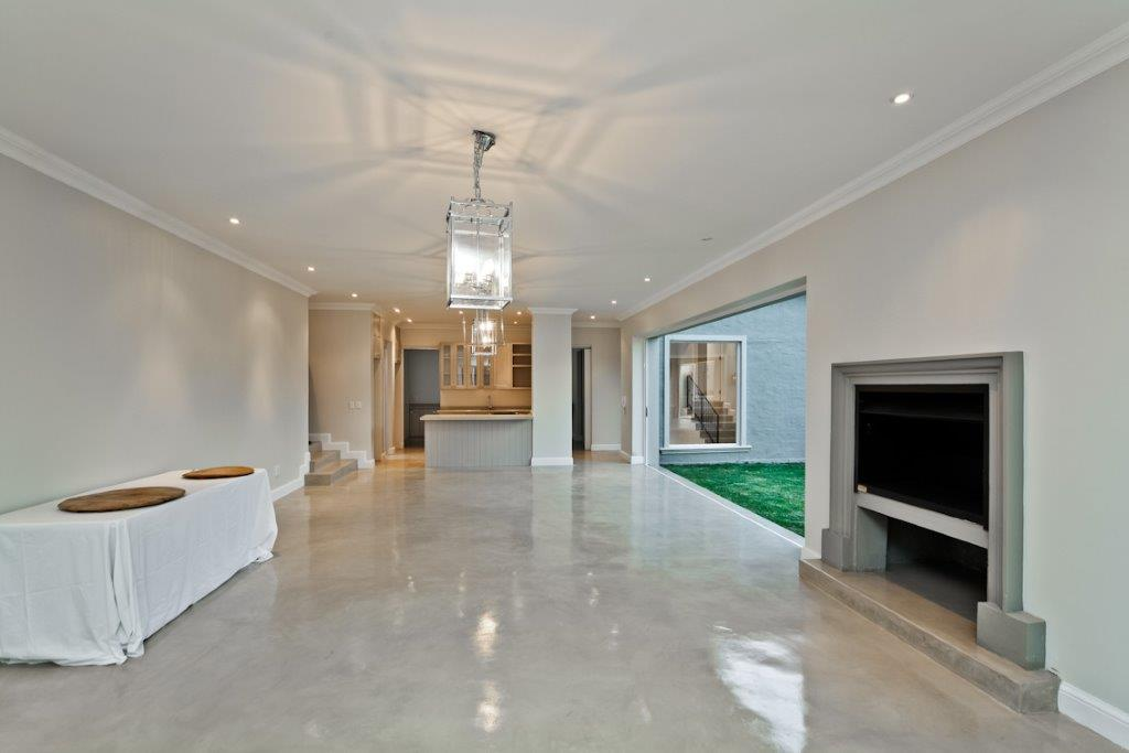 Deco Floor | Buckingham Ave