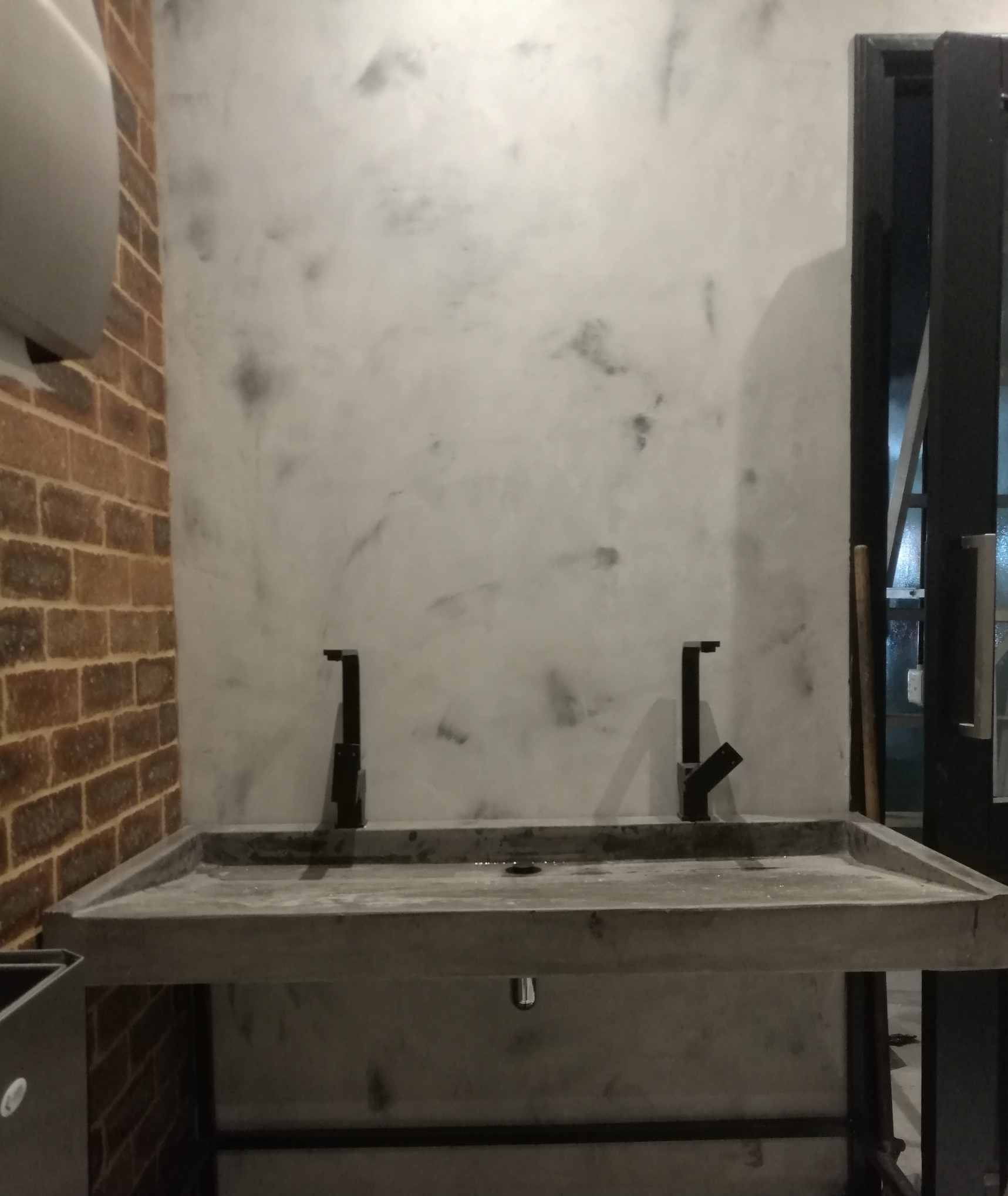 Roasting Jacks Stucco & Concrete Sink